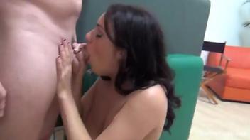 Safada adora chupar um pau gostoso