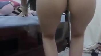 Carioca safada caiu na net dançando funk de calcinha