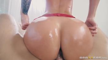 Sexo molhado com a loira bunduda