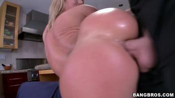 Sexo anal com a loira gostosa