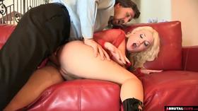 Sexo BDSM com loira delicia