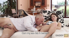 Novinha safada dando pro amigo roludo do pai