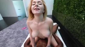 Loirinha trepando no porno pov