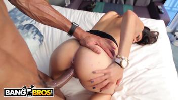 Pornozão Mia Khalifa tomando de quatro