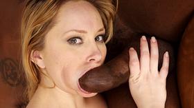 Porno loira peituda branquinha dando pro negão