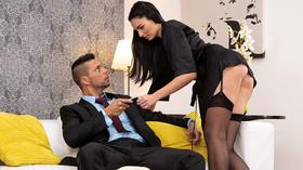 Secretária seduzindo seu patrão